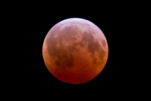 The lunar eclipse at its peak